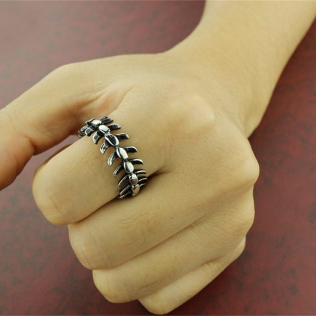 Personality Stainless Steel Long Spine Bone Ring Fashion Wild Skull Skeleton Rings Men and Women Punk Jewelry Gifts